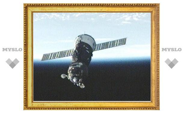 """К модулю """"Рассвет"""" пристыковался первый космический корабль"""