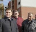 Владимир Груздев проинспектировал строительство домов в Скуратово