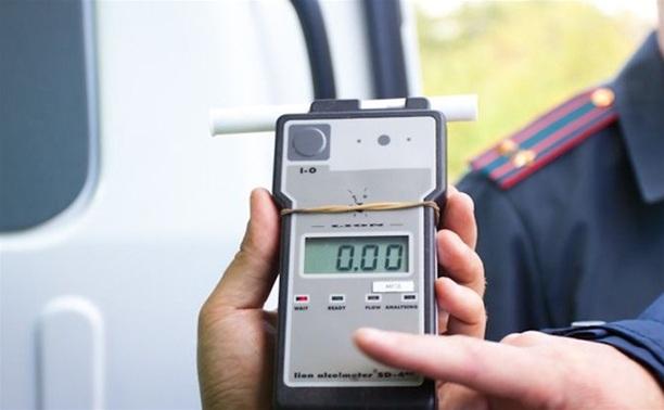 Протаранивший три машины полицейский отказался от теста на алкоголь