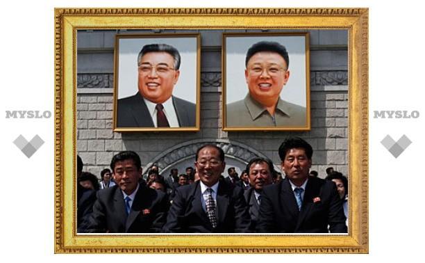 Школьницу наградили посмертно за спасение портретов лидеров КНДР
