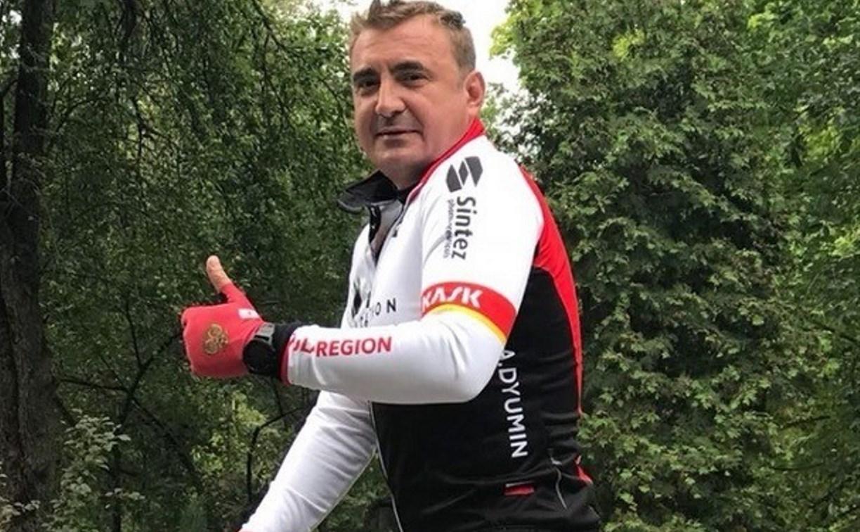 Губернатор Алексей Дюмин увлекся велоспортом: видео
