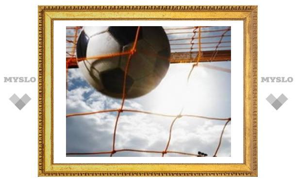 26-летний футболист умер на поле, забив гол