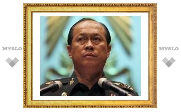 Командующий тайской армией призвал распустить парламент