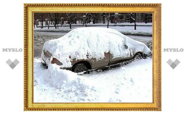 В Екатеринбурге из-за снегопадов объявили чрезвычайную ситуацию