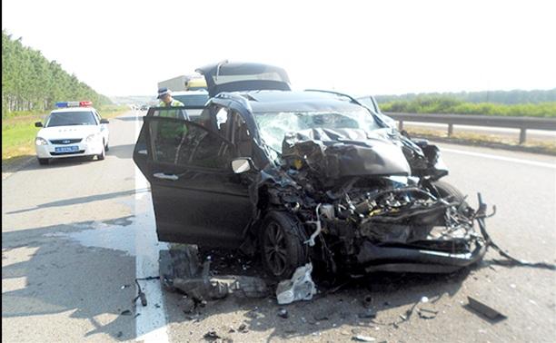 На трассе «Дон» Хонда столкнулась с КАМАЗом