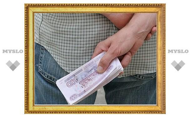 Туляк предложил полицейскому взятку в 500 рублей