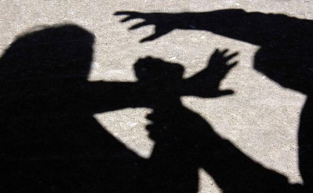 В Суворове на женщину с четырьмя детьми напал пьяный дебошир