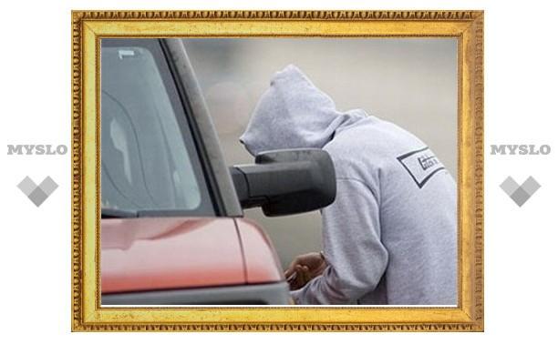 Житель Тульской области вместе с подельником угнал у своего отца автомобиль