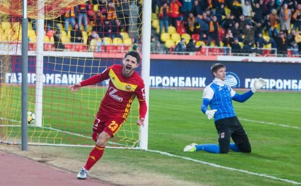 Арсеналец Игорь Горбатенко посвятил голы жене и детям