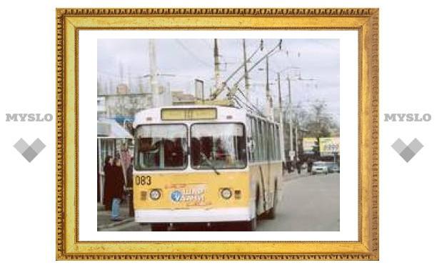 На ул. Советской встали троллейбусы