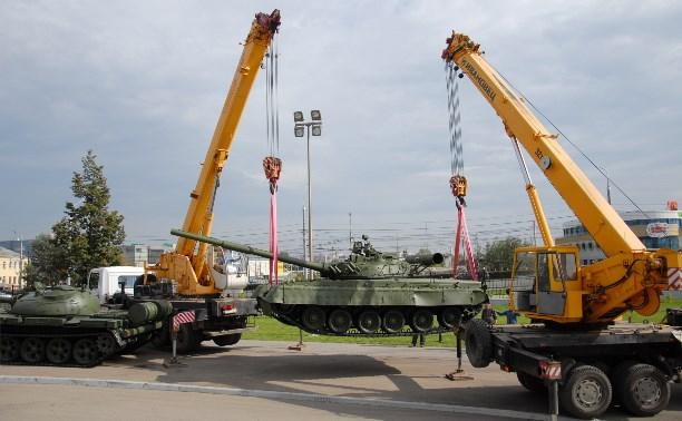 Ряды «Стальных стражей» тульского музея оружия пополнил танк Т-80Б
