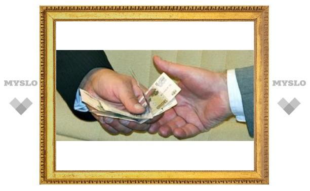 В Тульской области адвокат пытался дать взятку следователю