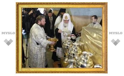 Патриарх Кирилл помолился о начале мироварения