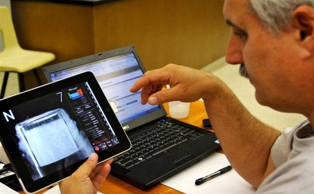 Минобрнауки предложил раздать учителям планшеты российского производства