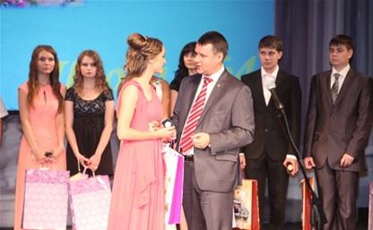 Владимир Груздев о медалях в школах: «Эмоциональное поощрение важно»