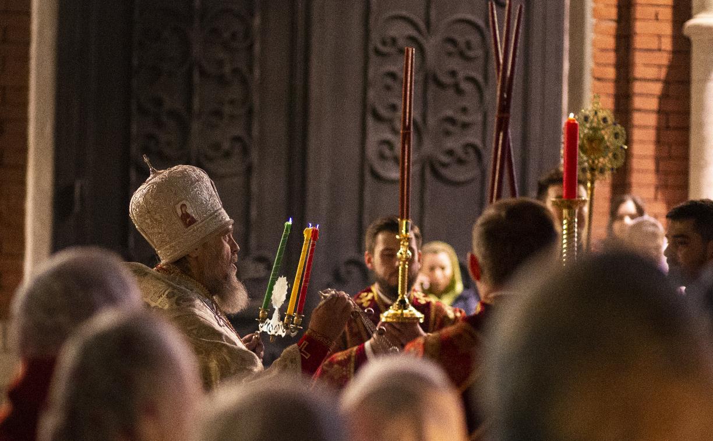 В Успенском соборе Тулы прошла пасхальная служба: фоторепортаж