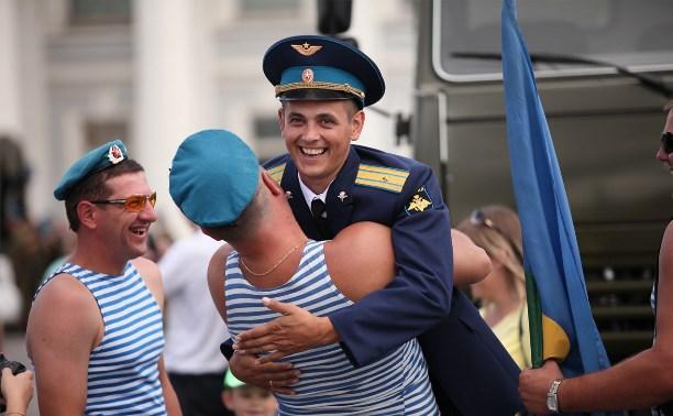 На площади Ленина в Туле прошли торжества в честь Дня ВДВ