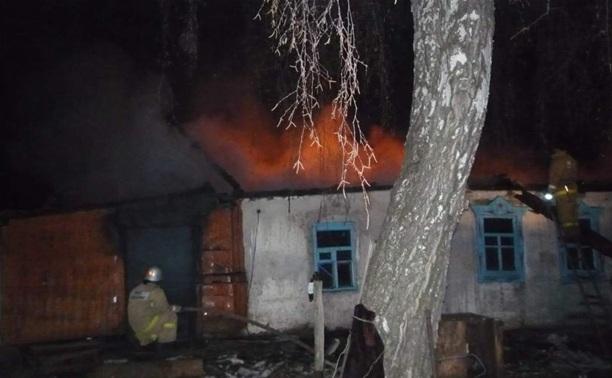 В Богородицком районе загорелись два соседних дома