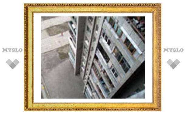 В Туле ребенок выпал из окна четвертого этажа