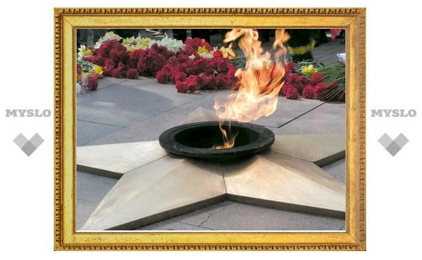 Владимир Груздев возложил цветы к Вечному огню у Кургана Славы
