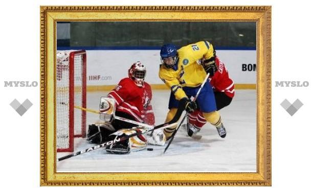 Судья удалил хоккеистов из Канады и Швеции до начала игры