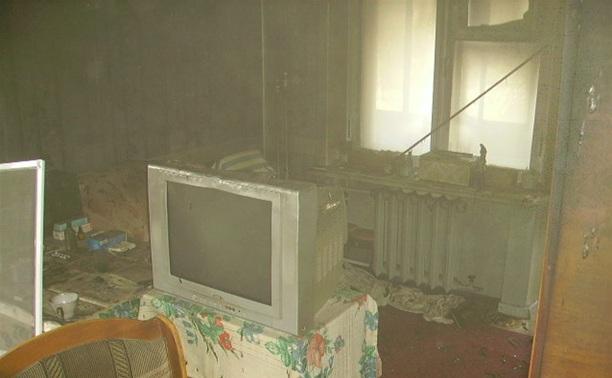 При пожаре в Алексине погиб человек