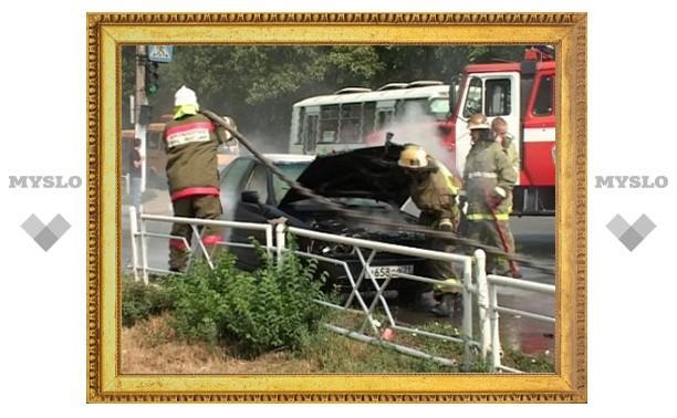 В Новомосковске сгорел автомобиль