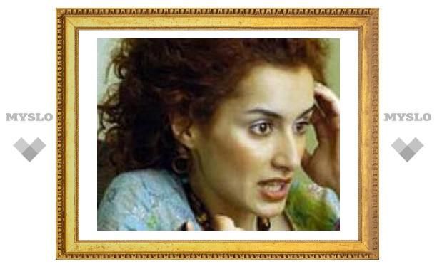 Гаишник задержал иномарку Тины Канделаки и отобрал у ее мужа водительские права