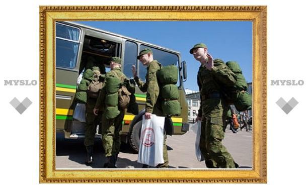 Медведев поручил ввести отсрочку от армии для абитуриентов