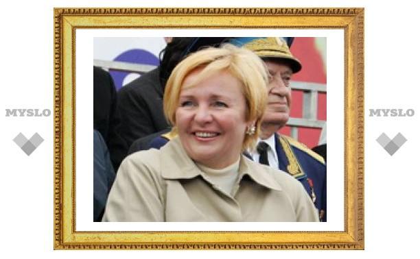 Туляк принял в пионеры жену Президента