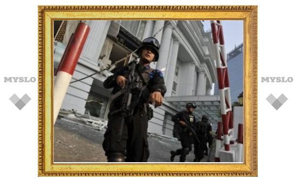 В гостинице в Джакарте нашли неразорвавшуюся бомбу