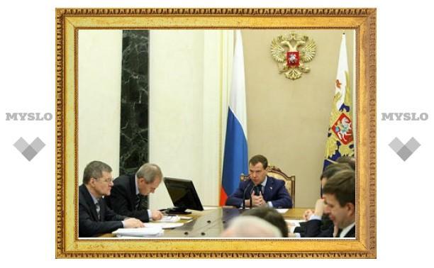 Медведев озаботился подкупом иностранных чиновников