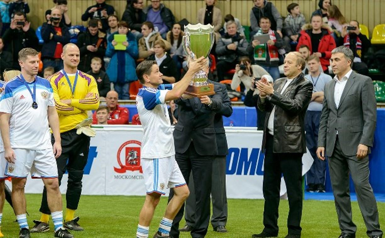 Дмитрий Аленичев забил три мяча в финале «Кубка легенд»