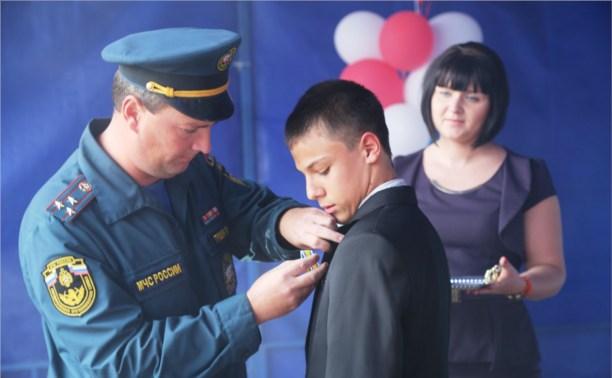 В Тульской области наградили туляков, спасших тонущих детей