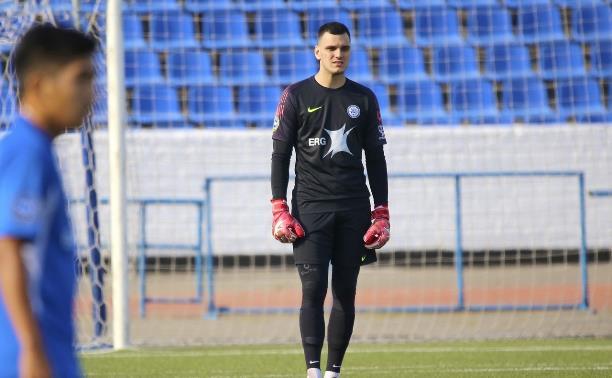 Вратарь казахстанского «Кайсара» вышел в стартовом составе «Арсенала»