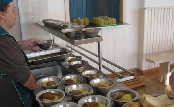В Кимовском районе школьников кормили некачественными продуктами