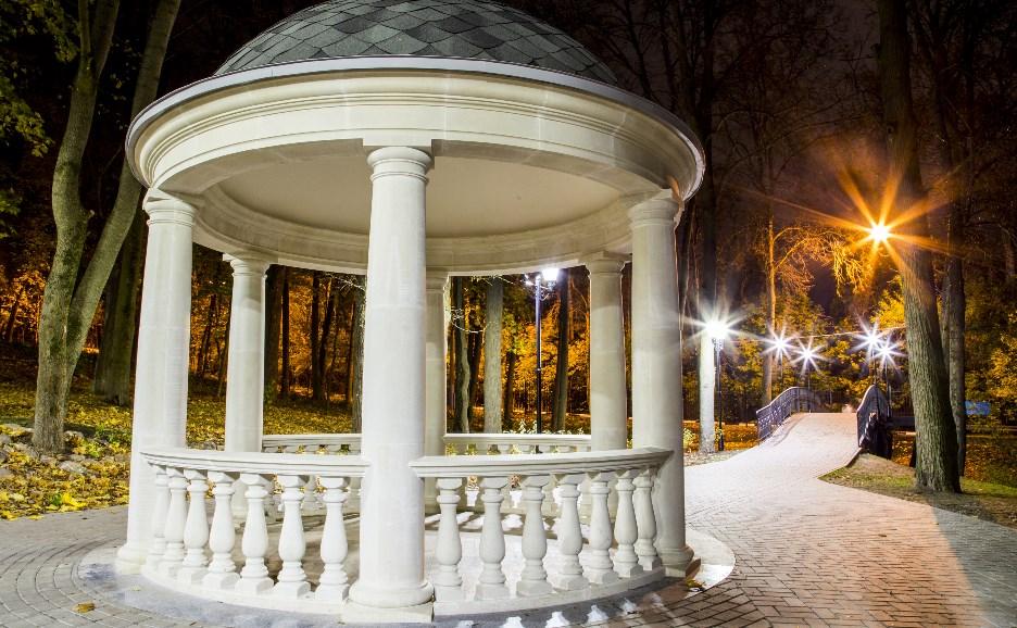 Платоновский парк: красота вечерних прогулок