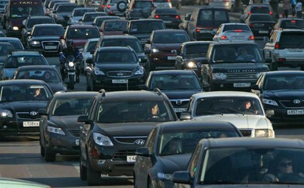 Правительство приняло закон об утилизационном сборе для российского автопрома