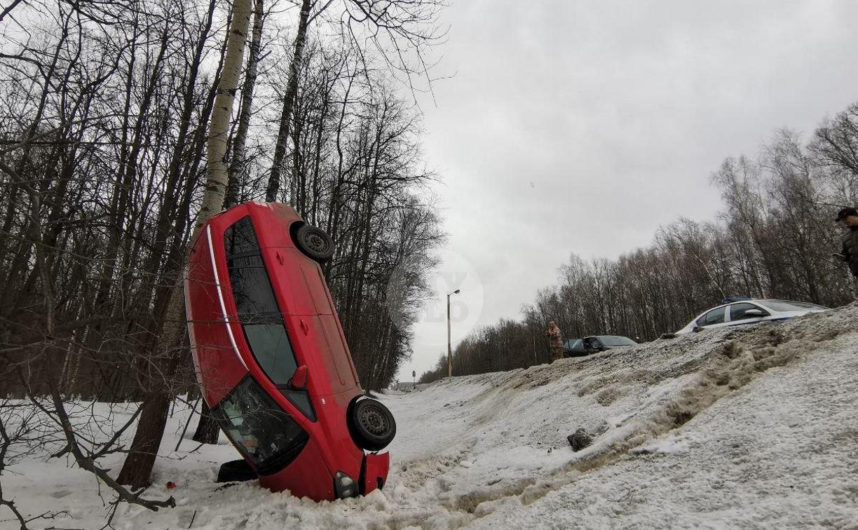 Под Тулой Opel встал на попа: фоторепортаж