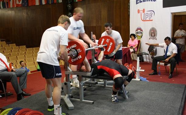 Дубенские спортсмены выиграли медали в пауэрлифтинге