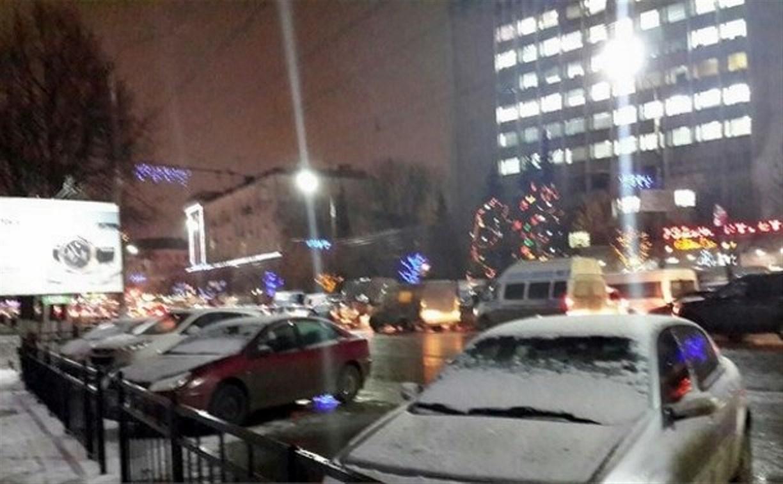 Из-за аварии на ул. Советской центр Тулы встал в пробке