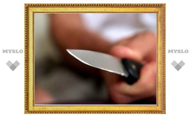 В Щекинском сквере в пьяной ссоре зарезали мужчину