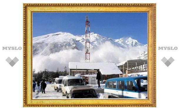 Под лавиной на Чегете погибли двое туристов