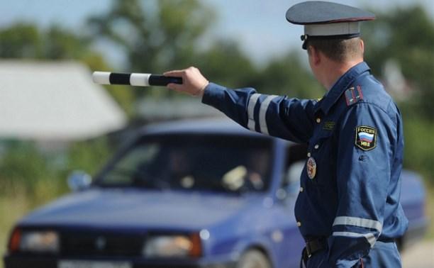 В Киреевске пьяный водитель протащил инспектора ДПС по дороге