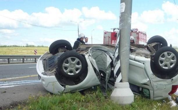 В Богородицком районе иномарка въехала в столб: погиб пассажир