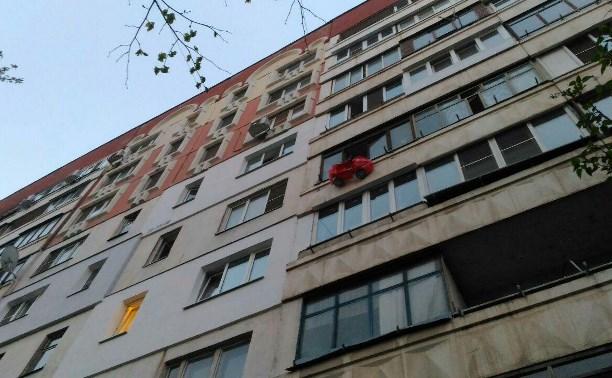 Стало известно о состоянии детей, выпавших из окна на ул. Степанова в Туле