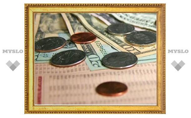 Доллар подрос на 16 копеек, евро упал на 6