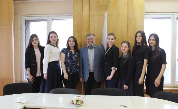 Александр Балберов встретился с членами молодёжной избирательной комиссии