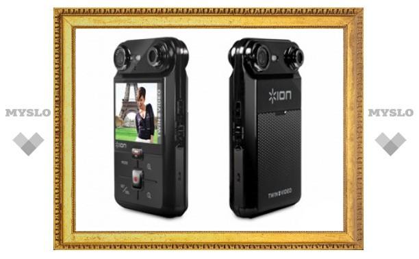 """В США поступила в продажу """"двойная"""" видеокамера"""