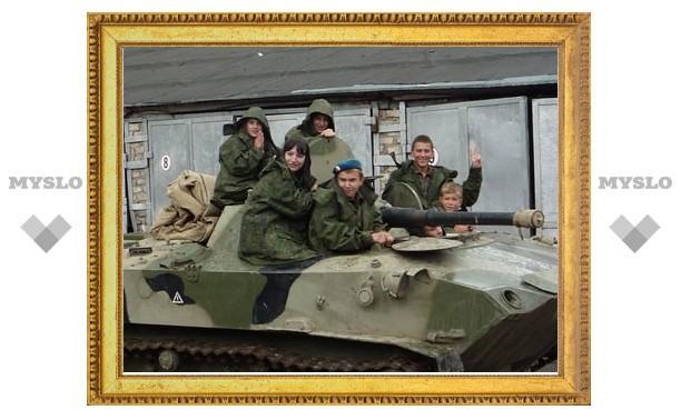 В тульском полку ВДВ подростки проходят курс молодого бойца
